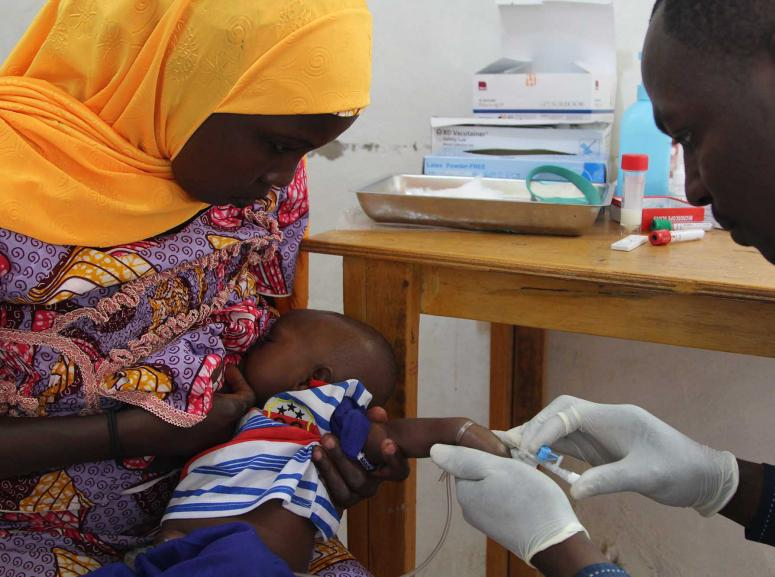 Mother and child participate in the rotavirus clinical trial, Niger